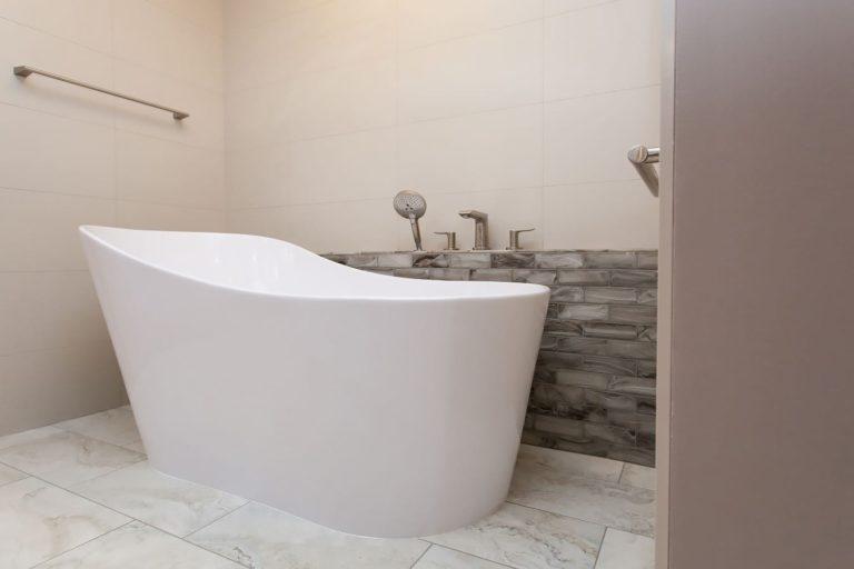Tanner Place Bathtub