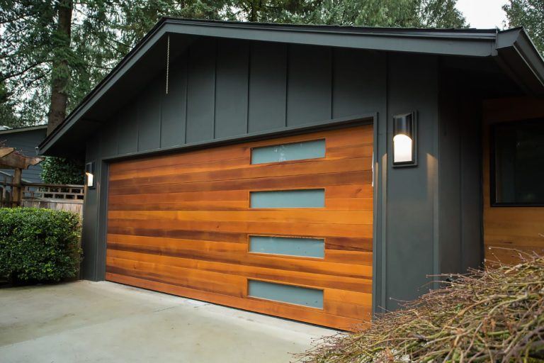 A Modern Take - Garage