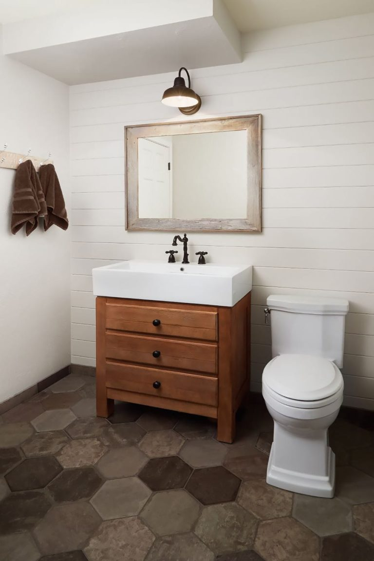 Roth Powder Room